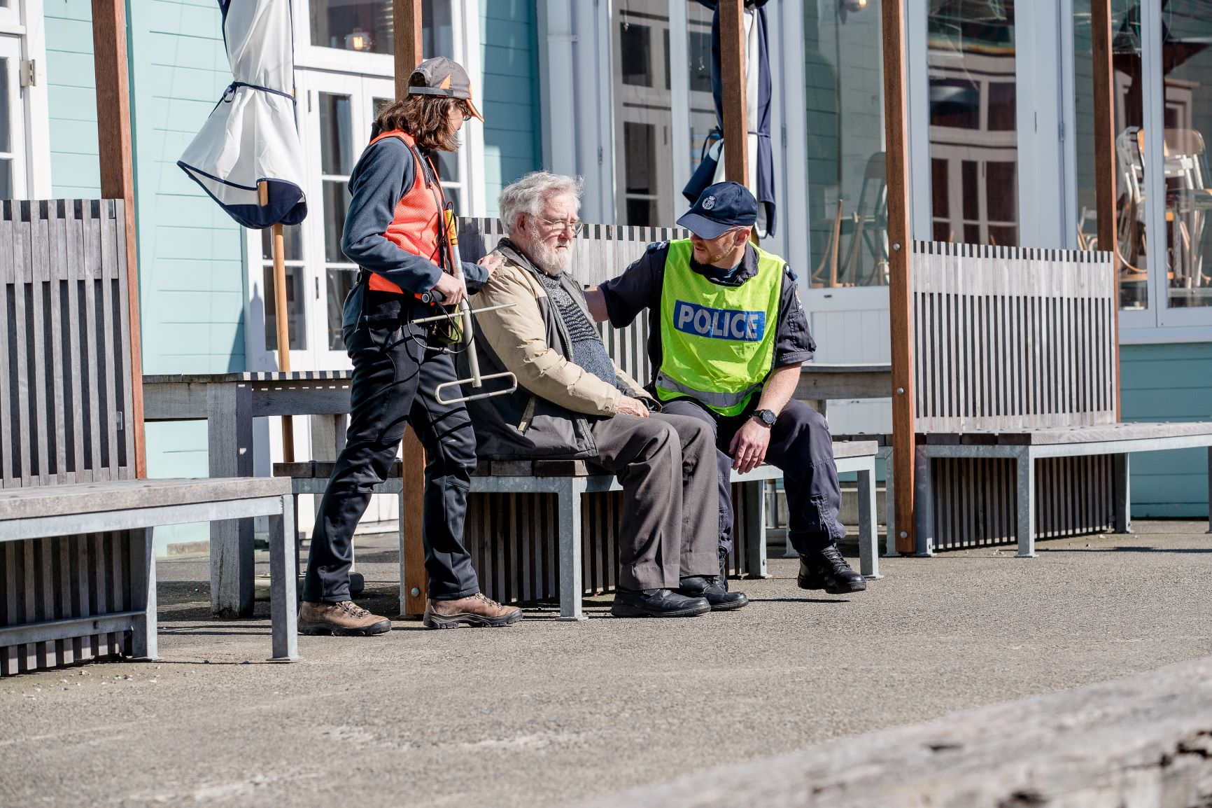 Police with Land Search and Rescue find a lost person (model) in Wellington Water Front using the Wander Search system. Photo credit: NZ Police